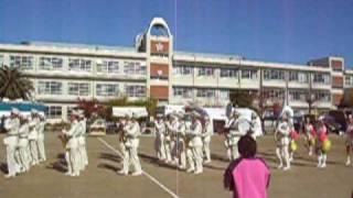 2008年11月30日(日)尼崎市立塚口小学校で行われた防災フェスタで、運動場にて行われた警察音楽隊による♪鉄腕アトムの演奏の模様...