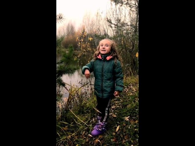 Изображение предпросмотра прочтения – ЕкатеринаКлючевская читает произведение «Черемуха» С.А.Есенина