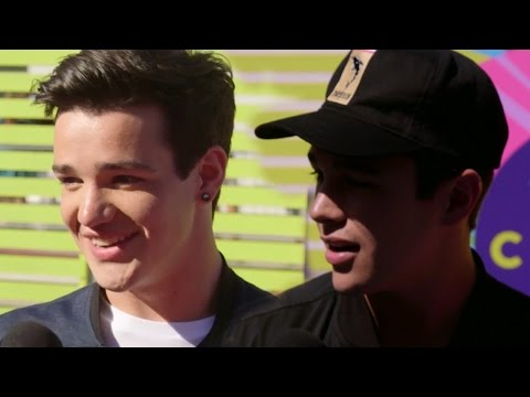 12 Slang Terms That NEED TO DIE - Teen Choice Interview