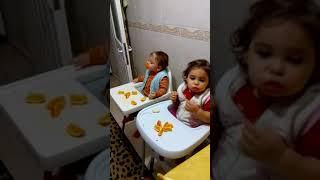 tatlı ikizlerin portakal keyifleri 😄