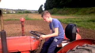 Kako klinci voze traktor