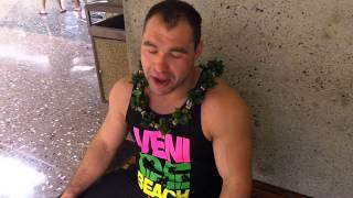 Dmitry Klokov - Hawaii airport