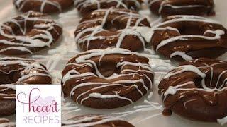 Baked Apple Sauce Doughnuts | I Heart Recipes
