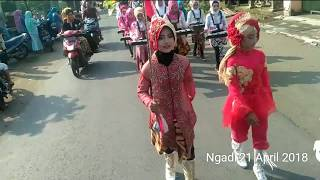 Download Video Hebohh ....Mayoret Cantik GSA MI Nurul Auliya 'Tambak curi perhatian penonton... MP3 3GP MP4