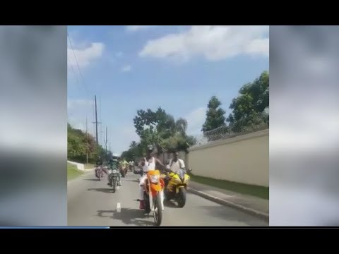Sizzla Showing Popcaan Not To Be Afraid Of Bikes, Popi  Not Ready