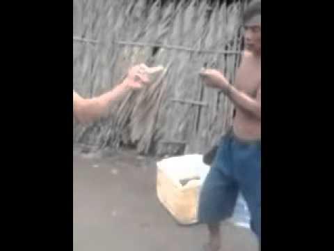 Đánh nhau, Cha vợ và con rể đánh nhau    YouTube