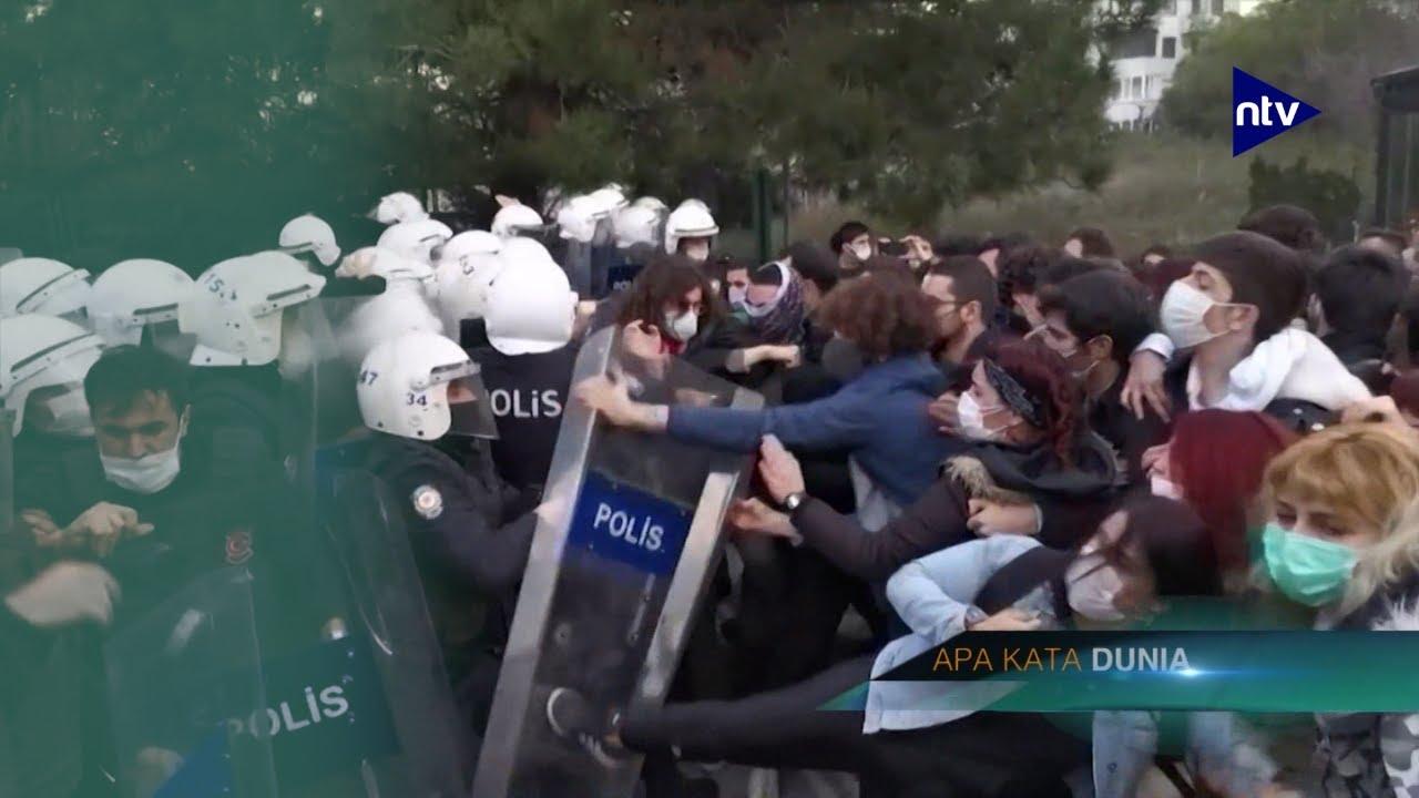 Mahasiswa Demo Tolak Rektor yang Ditunjuk Erdogan