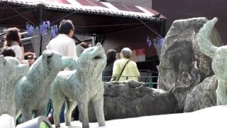 東京タワーの下には、「南極観測ではたらいたカラフト犬の記念像」とい...