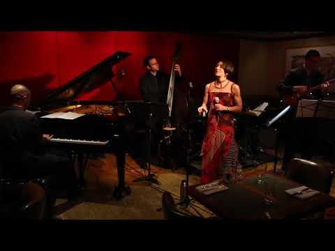 Jocelyn Medina Group performing