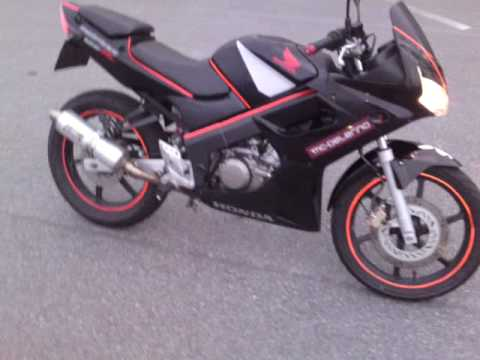 honda cbr 125 r with gianelli exhaust youtube. Black Bedroom Furniture Sets. Home Design Ideas