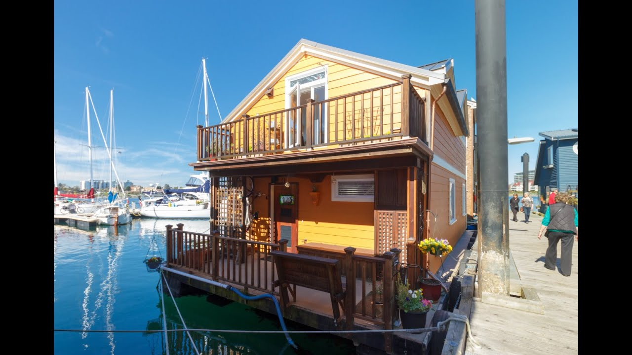 Float homes at fisherman 39 s wharf victoria real estate for Home builders victoria