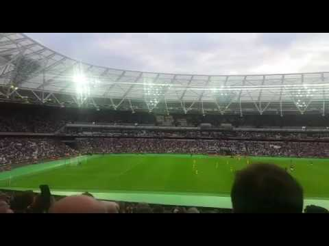 54,000 West Ham fans singing Bubbles in the First Game at the OS