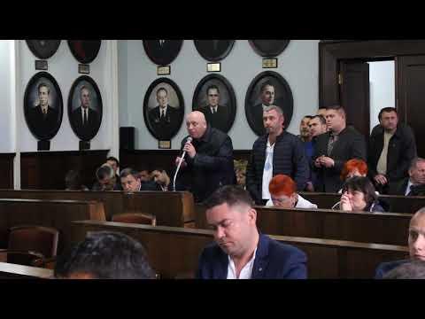 Погляд: Учасники Ато заблокували сесію міської ради у Чернівцях