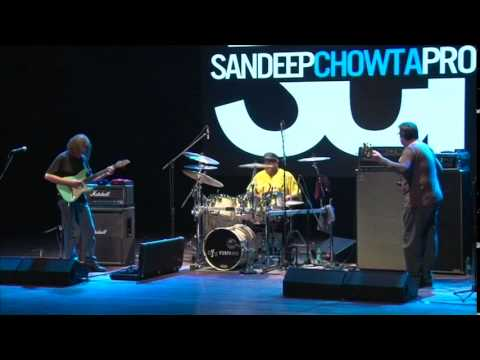 The Amazing Dennis Chambers - Fun clips from the HBC show in Mumbai - October 2012