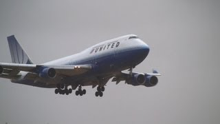 Storm!! United Airlines Boeing 747-400 Go Around at Narita