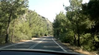 классический критский серпантин, ведет к отличному пляжу Суя на юге Крита. Июль'12(2/3 видео идет горный серпантин, пляж - под конец видео. Разудалый серпантин ведет нас на один из красивейших..., 2012-07-09T15:35:45.000Z)