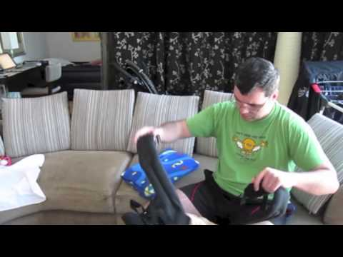 ExpatFamilyVlogs - Trying ERGO carrier for the first time