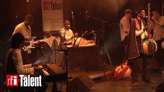 "Abou Diarra joue ""Tunga"" en concert au Hangar Ivry"