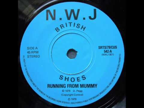 british-shoes---1.running-from-mummy