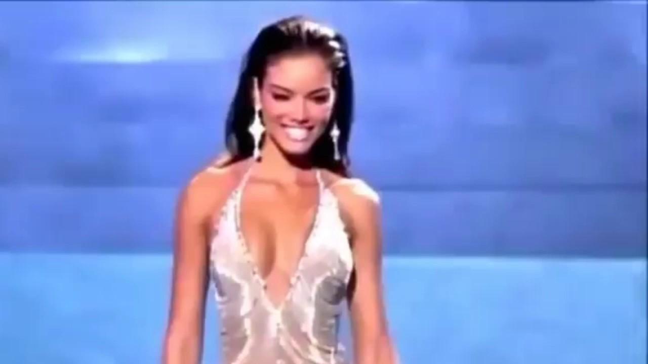 Zuleika Rivera Miss Universe 2006 evening gown - YouTube