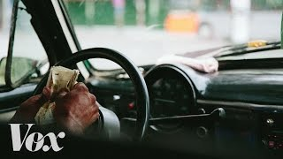 Why Cuban cab drivers earn more than doctors thumbnail