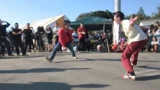 ロックンロールを踊る若者たち