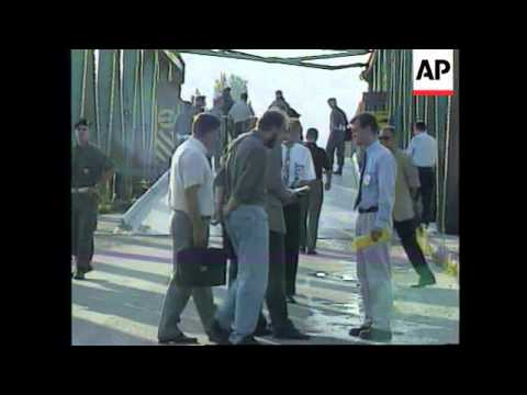 BOSNIA: BOSNIAN SERBS & CROATS EXCHANGE PRISONERS OF WAR