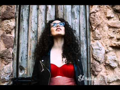 El ruido de un tv ( Con Road Ramos) -El viaje de la luz- AMARELA