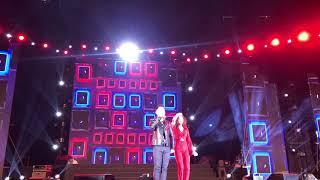 Hương Giang song ca Mùa Ta Đã Yêu cùng Phạm Hồng Phước tại sân khấu cuối năm