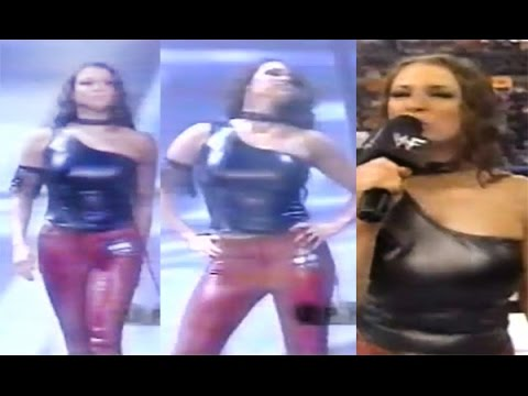 Classic Video: Stephanie McMahon In Leather Top thumbnail
