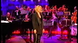 Watch Elaine Paige Cry Me A River video