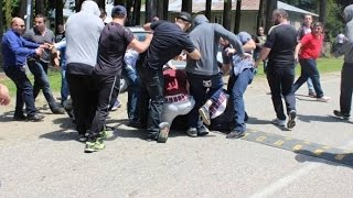 Грузия, бои без правил: лидеров партии Саакашвили избили бывшие спортсмены(Парламентские выборы в Грузии намечены на осень, а борьба уже идет не на жизнь, а насмерть. Во время выборов..., 2016-05-23T21:31:19.000Z)