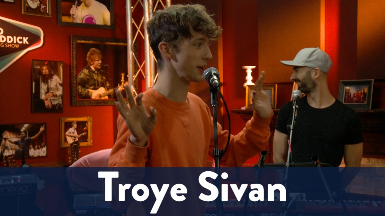 Troye Sivan's Fans are Hip! 1/7 | KiddNation - KiddNation