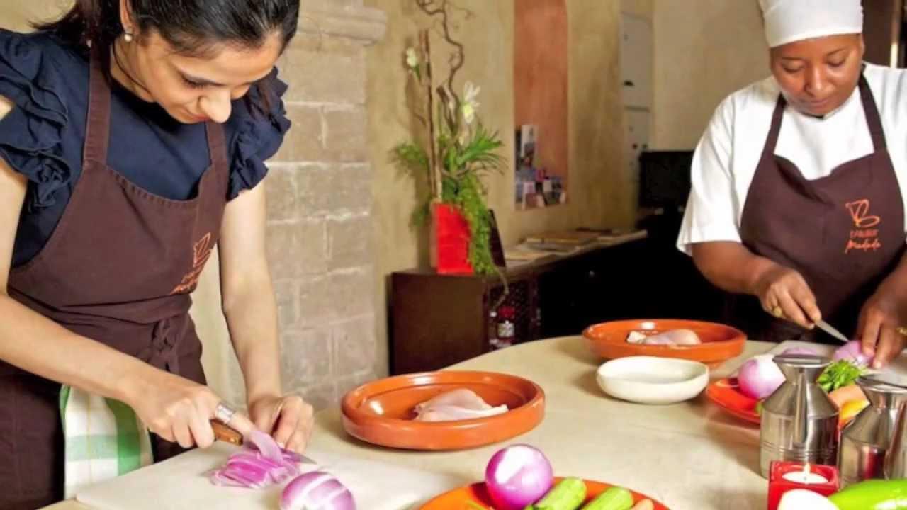Activit l 39 atelier madada cours de cuisine cordon bleu d for Video de cuisine youtube
