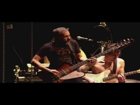 Shaka Ponk & Détroit - Gimme Shelter ( Live à Bercy ) HQ