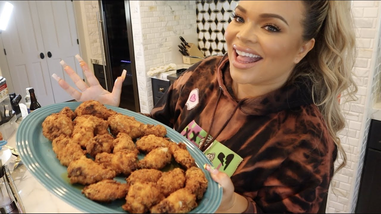Download FIRE HOMEMADE BUFFALO WINGS!!!! | COOKING WITH TRISH