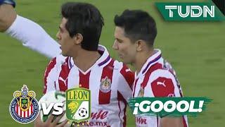¡Penal y gol! Macías anota el gol de Chivas | Chivas 1-1 León | Guard1anes 2020 Liga BBVA MX | TUDN