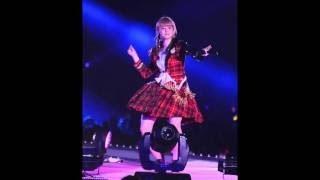 During her dinner show. Risako sang Masshiroi Ano Kumo. Sorry for t...