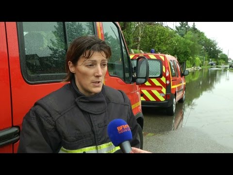 Inondations: avec les pompiers en intervention dans les Yvelines