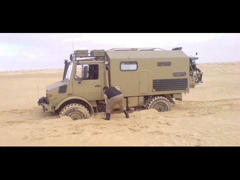 unimog u 435 in sahara youtube. Black Bedroom Furniture Sets. Home Design Ideas