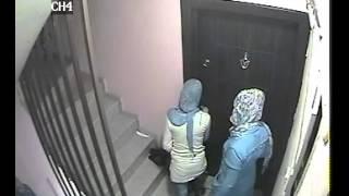 Hırsızlar Apartman Kamerasına Yakalandı