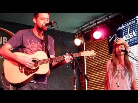In A Town This Size (Prine) - Shane Nicholson with Kasey Chambers - The Pub Tamworth 29-01-12 mp3
