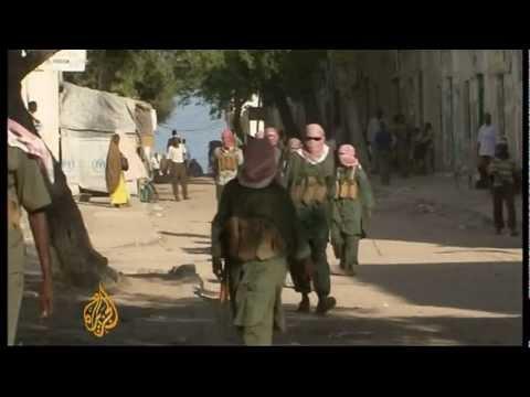 Kenyan troops push into Somalia