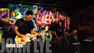 Merry Bees Live Music - John Lye performs Voodoo Child@Crazy Elephant