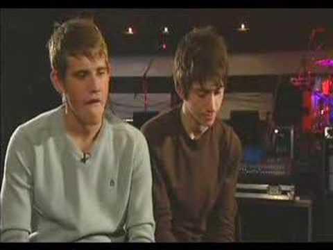 Arctic Monkeys . Popworld Interview