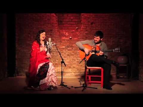LORETO DE DIEGO - ALEGRÍAS  Guitarra: JOSE ALMARCHA