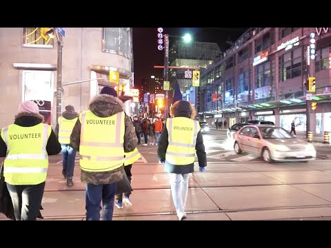 Ahmadi Muslim Youth In Canada Get Up Early To Clean Streets After New Years Celebration