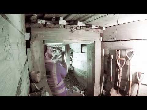 Tunnel Work Hand Mining Under London
