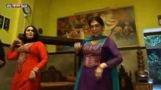 Repeat youtube video أخبارمصروالعالم:باكستان مصير المتحولين-جنسياً