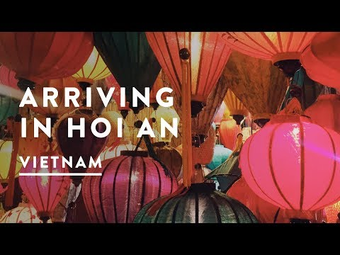 ARRIVING IN HOI AN FROM THAILAND   Vietnam Travel Vlog 054, 2017